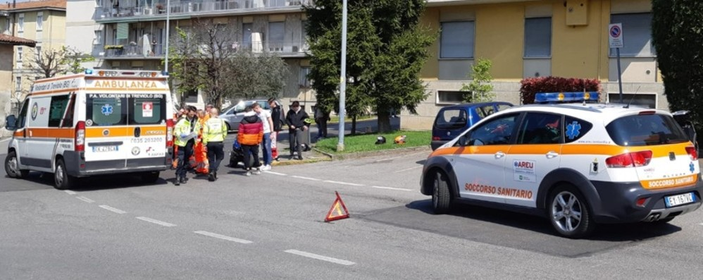 Curno, incidente in moto: feriti due 15enni Una settimana fa il tragico doppio schianto