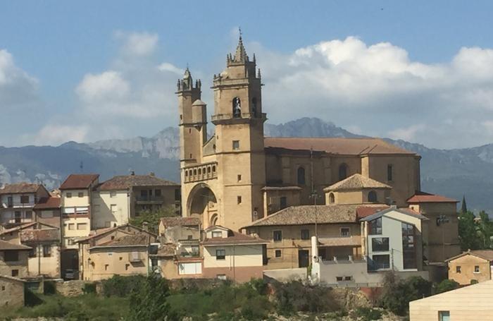 Vitoria con la sua antica cattedrale