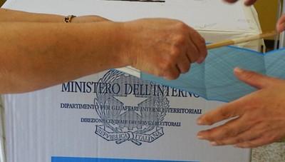 Sondaggio, Gori davanti a Stucchi Caccia agli indecisi: sono il 32%