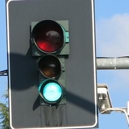 Valle Imagna al rallentatore Traffico per il cantiere (e il semaforo)