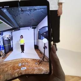 Smartphone pieghevole, difetti al display  Rinviata l'uscita del «Galaxy Fold»