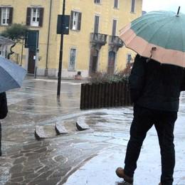 Allerta gialla sulla Lombardia Pioggia e vento in Bergamasca