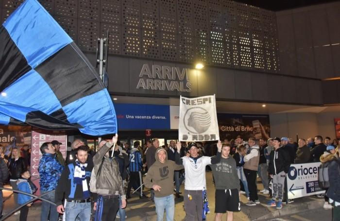Festa dei tifosi all'aeroporto