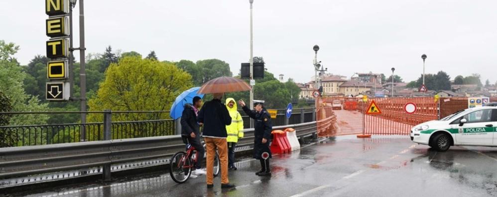 Rinviati i lavori sul ponte di Capriate Piove troppo, il cantiere slitta al 26 aprile