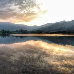 «Onda di colori sul lago d'Endine...»