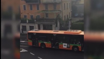 Atalanta-Fiorentina. Scontri pre partita Tifosi con spranghe e lanciati fumogeni