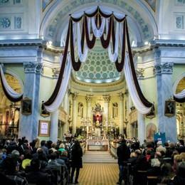 Sacra Spina di San Giovanni Bianco Il paese vestito di luci - Il video sulla festa