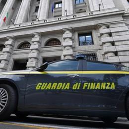 Frode fiscale milionaria, arrestata 43enne Il marito era già in carcere: stesso reato
