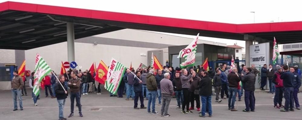 Dopo gli scioperi, il confronto con l'azienda «C'è un passo indietro sul trasferimento»