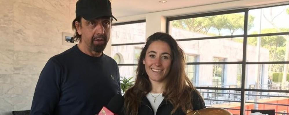 Sofia Goggia  riceve il Tapiro  E parla di casoncelli - Il video