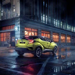 Toyota C-HR in versione premium