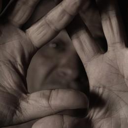 Cinquantenne minaccia la ex moglie per lui  divieto di avvicinamento