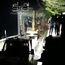 Ponte all'ingresso della Val Imagna Guarda il video della demolizione