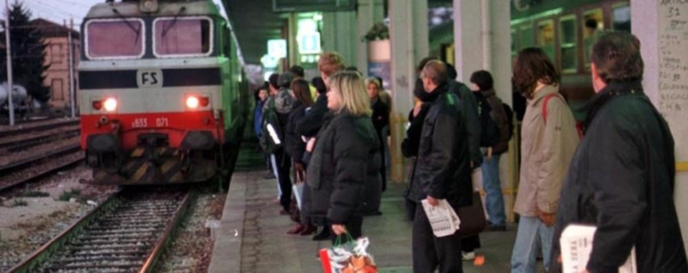 Travolto sul binario, finisce sotto il treno Muore cuoco 36enne di Madone