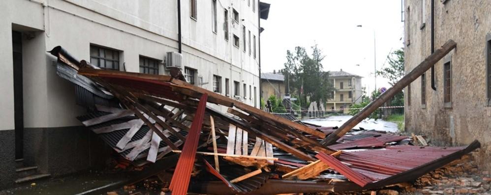 Bufera nella Bassa Bergamasca Disastro nel centro di Fara Olivana