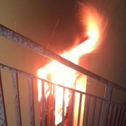 Raffica di danni per il maltempo  Ranzanico, fulmine incendia il teatro