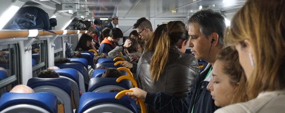 Basta sovraffollamento per Milano «Potenziata la capienza dei treni»