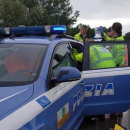 Si sente male in gita scolastica Staffetta della polizia per bimbo di 9 anni
