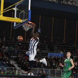 Tiri Liberi sul basket orobico Roderick e D'Almeida i vincenti