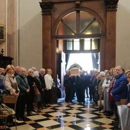 «Ci ha lasciato un'anima del Borgo» Folla ai funerali di Giuseppe Anghileri