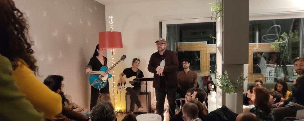 Concerti segreti e musica di qualità «Sofar Sounds» è tornato a Bergamo