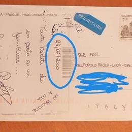 Saluti da Praga, con 19 anni di ritardo Le cartoline erano state spedite nel 2000