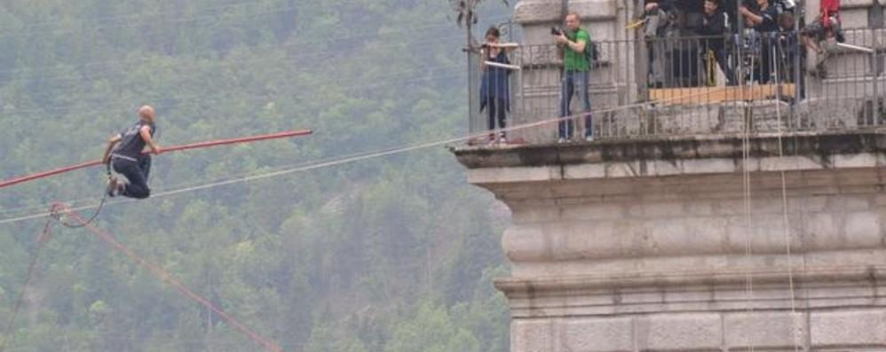 Ad Ardesio il funambolo Loreni - Video Camminerà su un cavo a 15 metri da terra