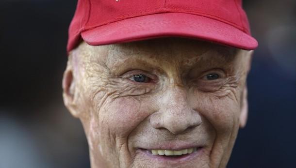 È morto Niki Lauda, aveva 70 anni Uno dei piloti più forti della storia