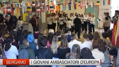 Bergamo - Il «Falcone» ambasciatore del Parlamento europeo