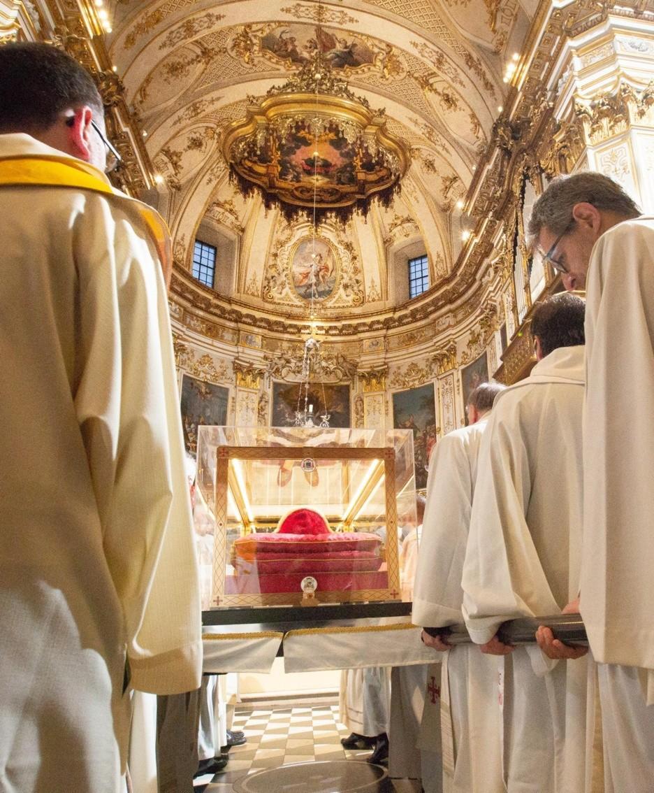 Le spoglie in Duomo