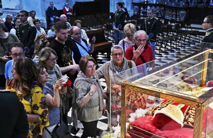 I fedeli in Duomo