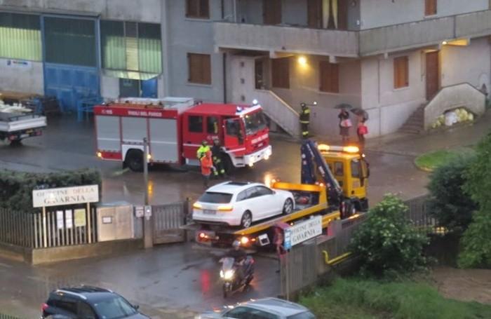 Decine di squadre dei Vigili del fuoco impegnate