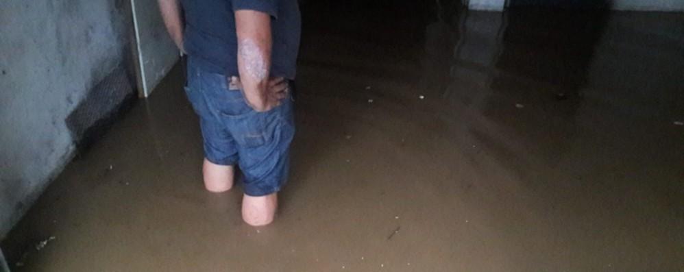 Nuova ondata di maltempo: allerta meteo Strade e case allagate a Valbrembo