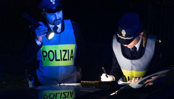 Positivi ad alcol e cocaina alla guida Notte di controlli della Polizia stradale