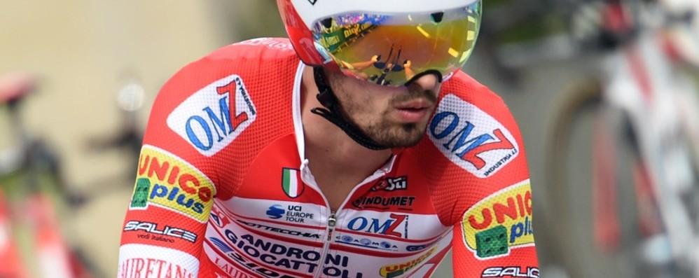 Fuga d'altri tempi al Giro, vince Cataldo Beffato il bergamasco Mattia Cattaneo