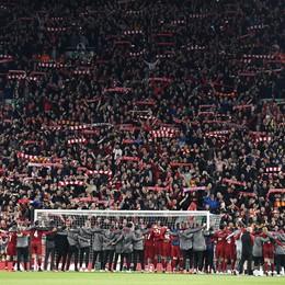 This is Anfield: uno stadio, una squadra, un popolo. I brividi del Liverpool