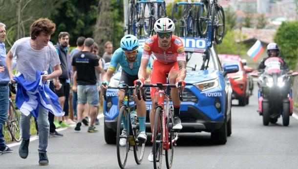 Giro d'Italia, martedì tappa ridotta Modifica fra Lovere e Ponte di Legno