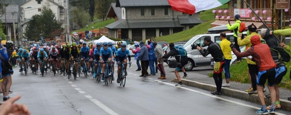 Giro, la tappa Lovere-Ponte di Legno Vince Ciccone, Masnada al terzo posto
