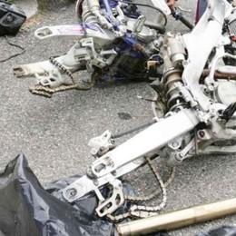 Sedili, portiere e motori di auto rubate Preso ricettatore: sette anni di carcere