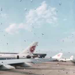 Temporali, voli dirottati da Malpensa  a Orio Da Napoli a Bergamo, atterra a Bologna