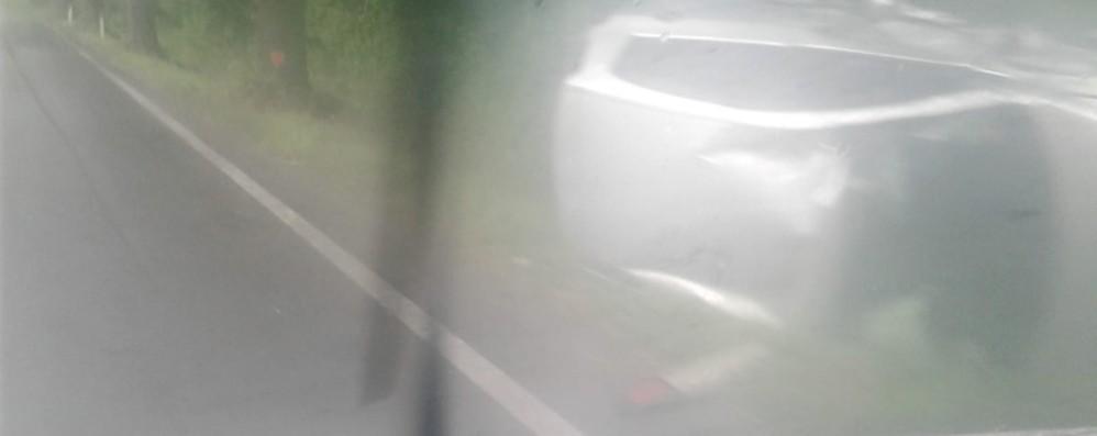 Ranzanico, auto si ribalta - Foto Paura per un 50enne, ferito