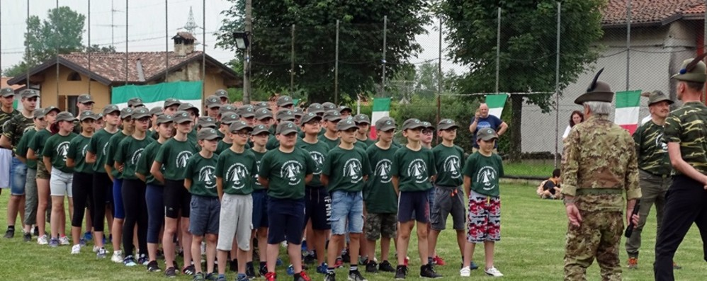Vivere da alpini per una settimana 52 ragazzi alla prova a Calusco d'Adda