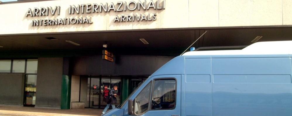 Manca personale in aeroporto L'allarme del sindacato di polizia