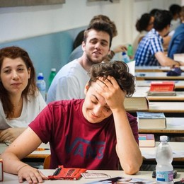 Maturità, il ministro Bussetti agli studenti «Abiti decorosi: niente shorts né infradito»