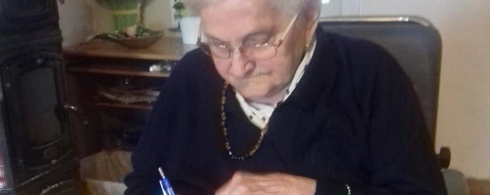 Angela, la nonna dell'agricoltura orobica Un secolo di vita nei campi