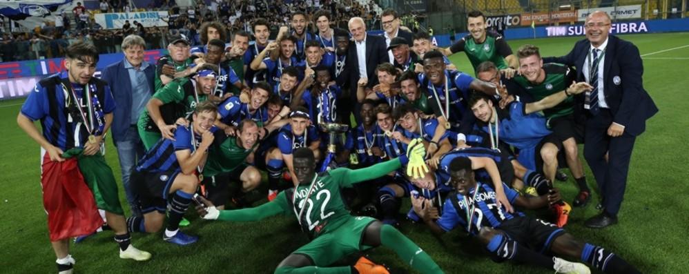 Atalanta, gioia per lo scudetto Primavera Selini: «L'emozione di dedicarlo a Favini»