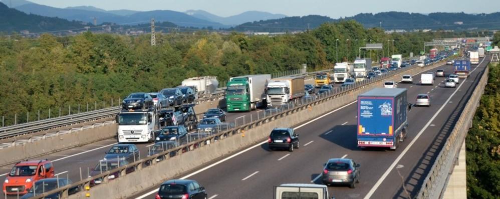 Incidente in A4 a Brescia, code Coinvolta anche bambina di 12 anni