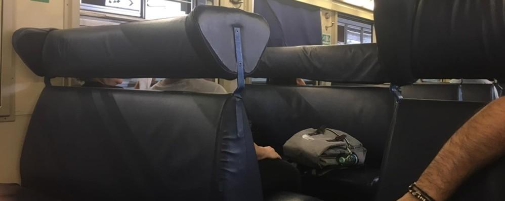 Treni soppressi e senza aria condizionata Milano-Bergamo da incubo per i pendolari