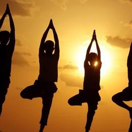 Yoga dall'alba al tramonto a Palazzo Moroni