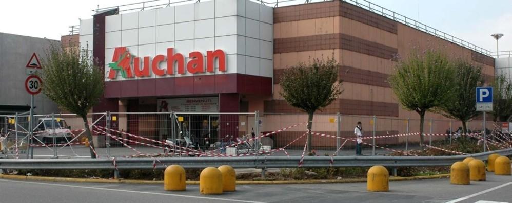 La crisi di Auchan e Mercatone Uno «Negli iper occupazione giù del 30%»